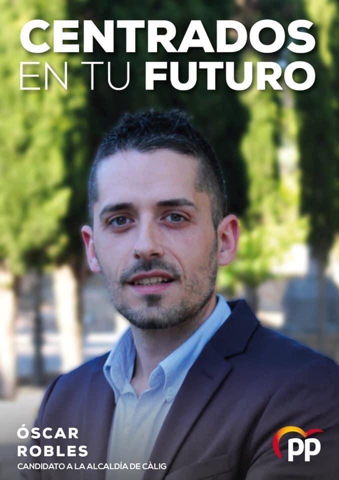 Cartel de campaña de Óscar Robles Collell, portavoz del PP de Càlig.